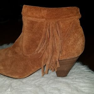 💥💥 sale Steve Madden leather booties with tassel